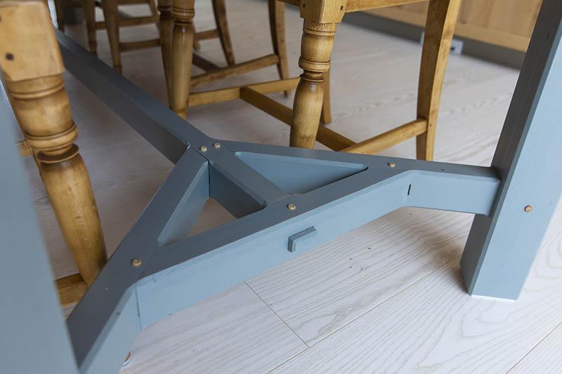 Detail of simplified hayracke table
